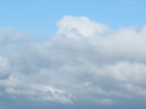 Wolken schwarz - grau - weiß
